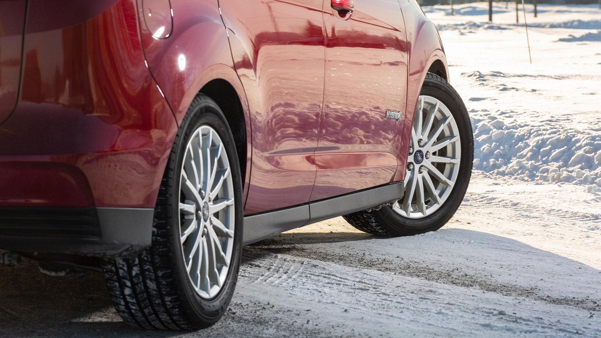 Winter Driving Tips & Tricks Header